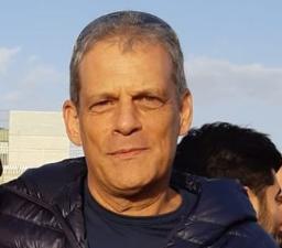 """אבי הראלהוא בעל תואר שלישי בפילוסופיה והיסטוריה יהודית, שירת בצה""""ל מג""""ב ומשטרת ישראל שלושה עשורים, בתפקידי פיקוד שונים. בתפקידו האחרון היה ההיסטוריון של משטרת ישראל. פרסם שלושה ספרים ועשרות מאמרים בתחומי עיסוקו."""