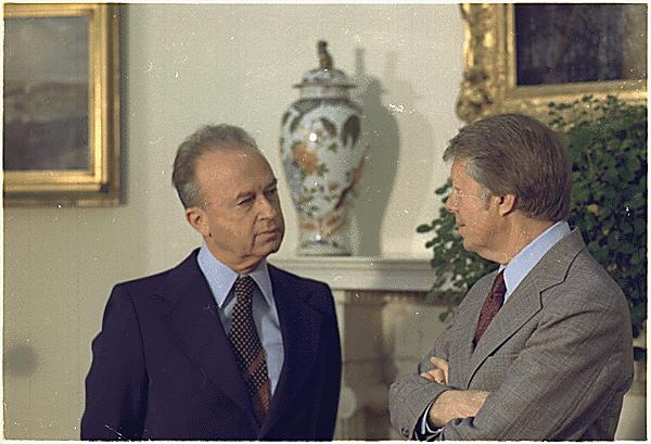 [בתמונה: ראש הממשלהיצחק רביןעם נשיא ארצות הבריתג'ימי קרטר בבית הלבן, 7 במרץ 1977. התמונה היא נחלת הכלל]